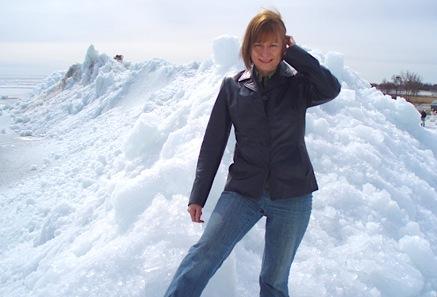 Evelin_Richter_Winnipeg_Beach_ice_mountains